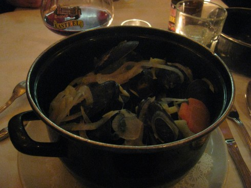 B. Cafe - steaming pot of mussels